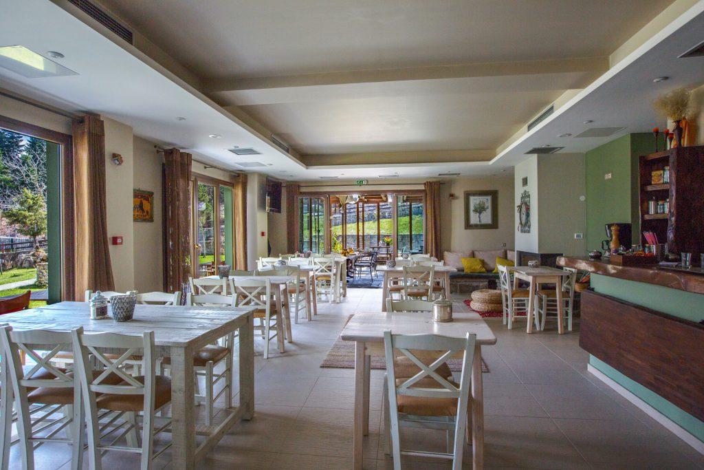 Εστιατόριο Ξενοδοχείου/Hotel Restaurant