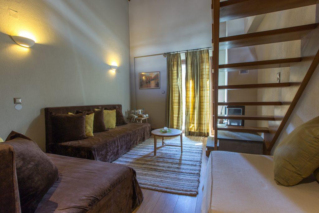 Suite Downstairs/Σουίτα κάτω όροφος
