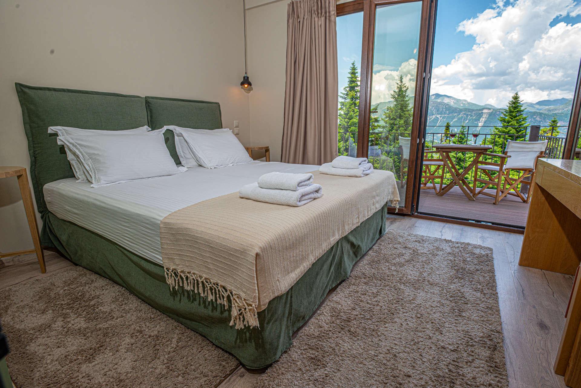 δωμάτιο με θέα τα Τζουμέρκα
