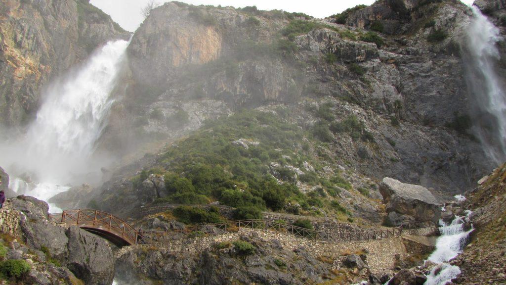 2 waterfalls in Katarraktis Village/2 καταρράκτες στο χωριό Καταρράκτης