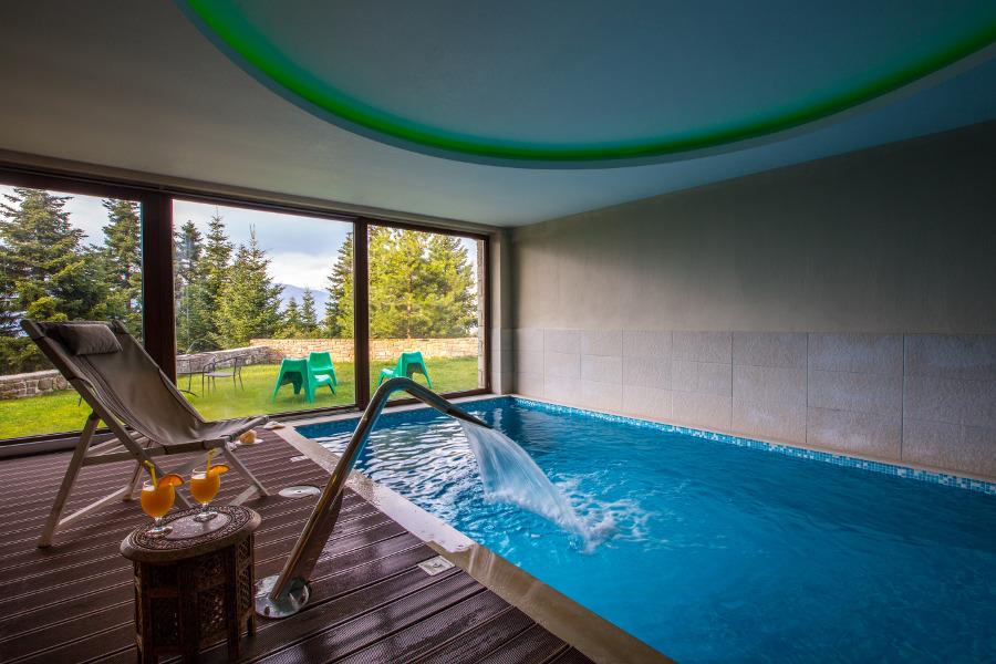 Πισίνα/Swimming Pool